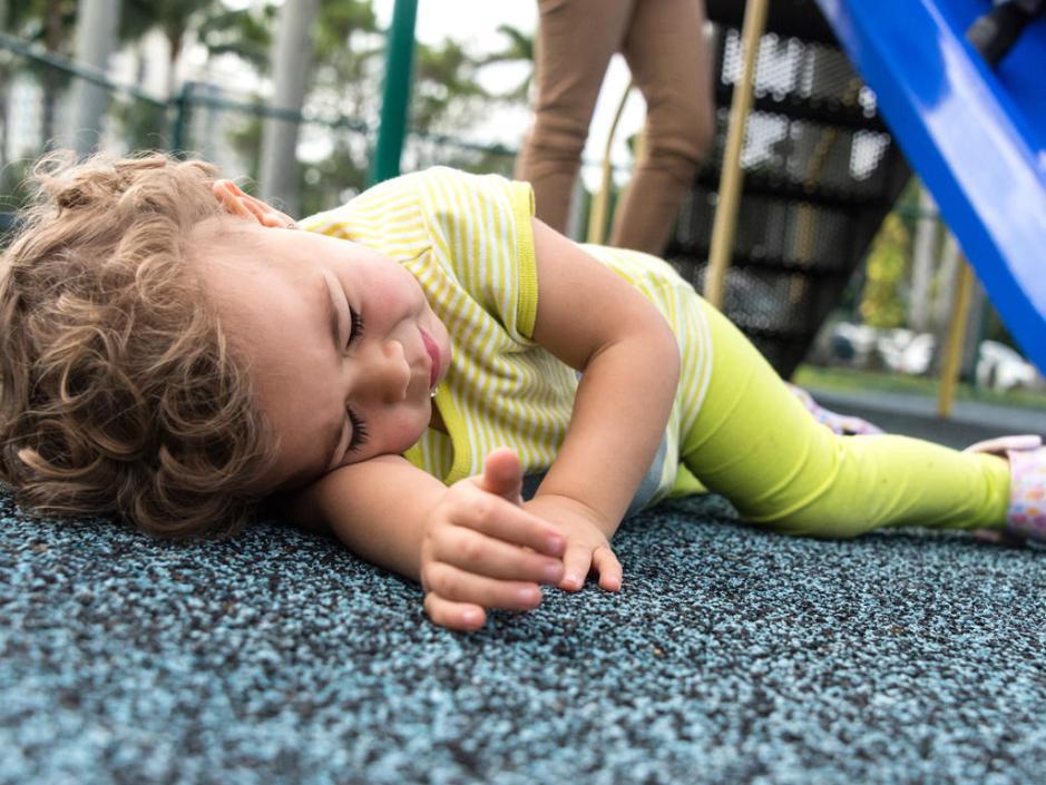 Como prevenir queda das crianças