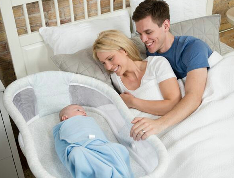 Berço do bebê deve ficar no mesmo quarto dos pais até 1 ano de idade